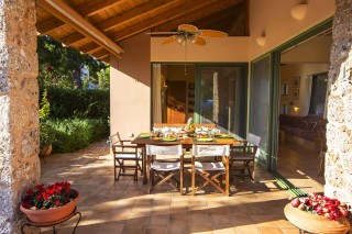 facilities villa christina dining table