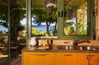 villa christina kitchen