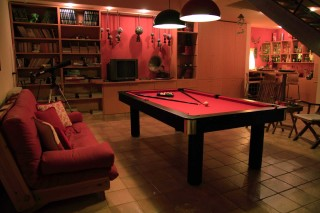 villa christina pool table